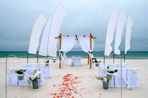 Your Beach Wedding Ceremony: Beach Wedding Ceremony Decorations