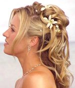 romantic hair for a beach wedding